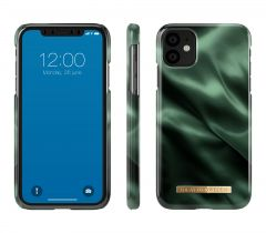iDeal of Sweden Fashion Case iPhone 11 Emerald Satin